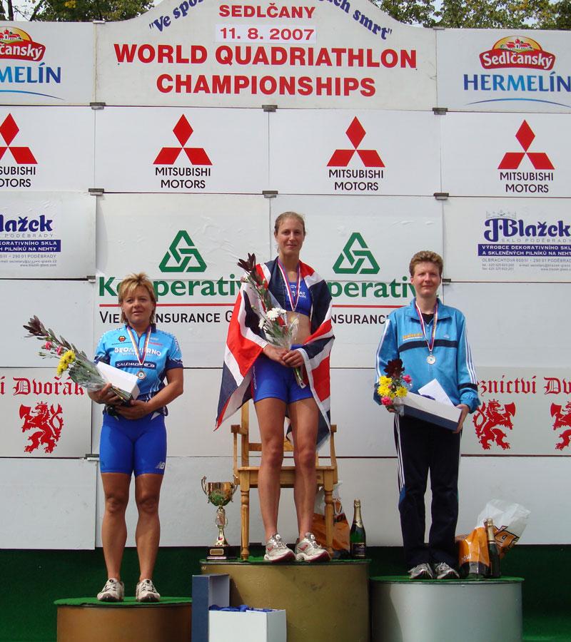 Siegerehrung Gesamtwertung Frauen Weltmeisterschaft Quadrathlon Mitteldistanz