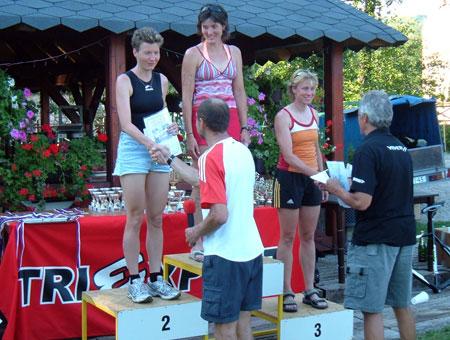 Siegerehrung Gesamtwertung Frauen Weltcup Quadrathlon Karlstejn/Tschechien