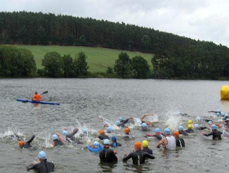 Schwimmstart Weltmeisterschaft Quadrathlon Mitteldistanz Sedlcany