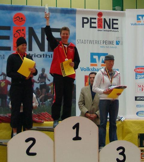 Katrin Burow ist Deutsche Meisterin im Triathlon auf der olympischen Distanz in der Altersklasse W30