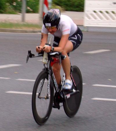 Katrin Burow gewinnt den Cottbuser Messe-Triathlon 2011