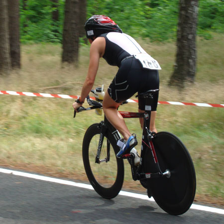 Auf der Radstrecke beim Spreewald-Triathlon 2011