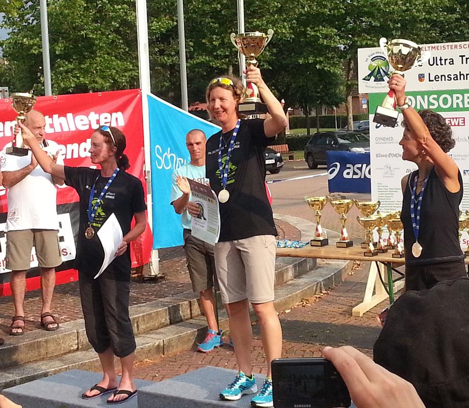 Katrin Burow wird Weltmeisterin bei der WM im Triple Ultra Triathlon in Lensahn 2014
