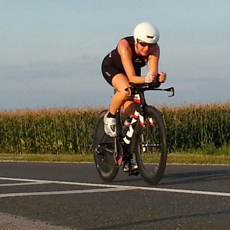 Katrin Burow auf dem Rad bei der WM Double Ultra Triathlon in Slowenien 2014