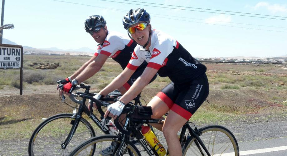 Katrin Burow und Johan Declercq beim Radfahren auf Fuerteventura 2015