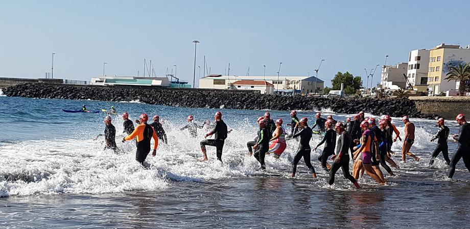 Start des Travesia a nado Circuito Vicente López am 11.11.2017
