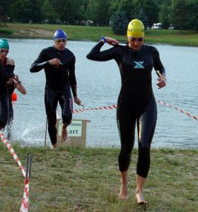 Katrin Burow belegt den 2. Platz beim NEZ-Aquathlon in Pirna-Copitz 2011
