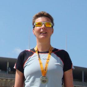 Katrin Burow belegt den 2. Platz der Gesamtwertung Frauen beim BIG 25 Berlin Halbmarathonlauf am 05.05.2013