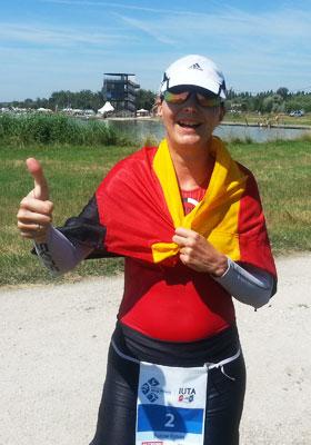 Katrin Burow belegt den 3. Platz beim Weltcup im Ultra Triathlon 2015