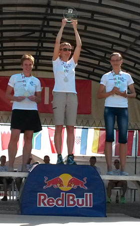 Katrin Burow ist Weltmeisterin im Double Ultra Triathlon in Velence / Ungarn 2015