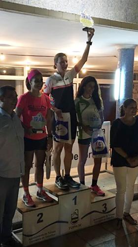 Katrin Burow Gesamtsiegerin beim Nacht-Berglauf in Gran Tarajal 2016