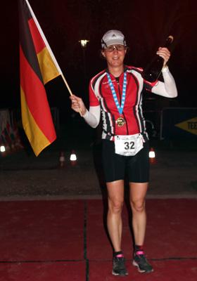 Katrin Burow wird Weltmeisterin im Triple Ultra Triathlon 2017 in Bad Blumau / Österreich