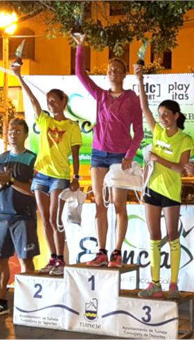 Katrin Burow Gesamtsiegerin über 5 km beim Nacht-Berglauf in Gran Tarajal 2018