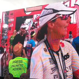 Katrin Burow beim IRONMAN Lanzarote 2018 im Ziel angekommen