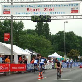 Katrin Burow gewinnt das 20 km - Einzelzeitfahren in Cottbus 2009