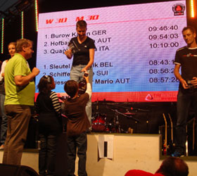 Katrin Burow bei der Siegerehrung beim Kärnten IRONMAN Austria in Klagenfurt 2008