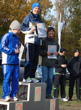 Katrin Burow gewinnt den 7 km Lauf um den Krummensee