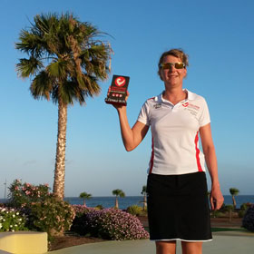Katrin Burow belegt den 2. Platz in der Altersklasse 35-39 beim Challenge Fuerteventura in Las Playitas am 26.04.2014
