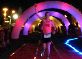 Katrin Burow belegt den 3. Platz beim Carrera Nocturna - Nachtlauf in Gran Tarajal / Fuerteventura am 20.06.2015