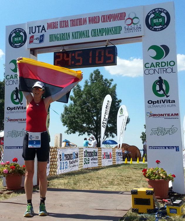 Katrin Burow wird Weltmeisterin im Double Ultra Triathlon in Velence / Ungarn vom 03.-04.07.2015