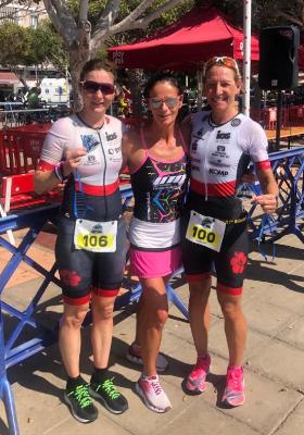 Katrin Burow im Ziel des Triathlon Gran Tarajal 2020