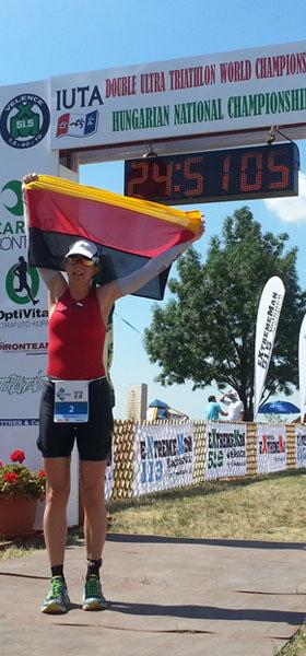 Katrin Burow Weltmeisterin im Double Ultra Triathlon in Velence / Ungarn 2015